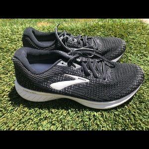 Women's Brooks Revel 3 Running shoes sz 8.5